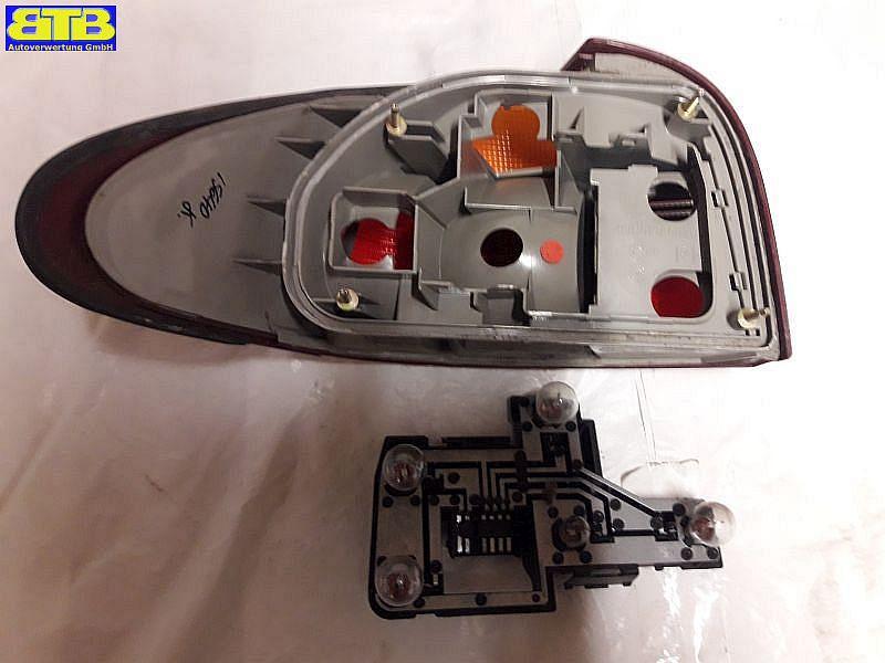 Rückleuchte / Heckleuchte / Rücklicht aussen rechts mit LampenträgerFORD MONDEO I (GBP) 1.6I 16V