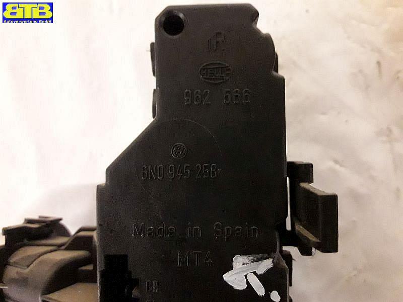 Rückleuchte / Heckleuchte / Rücklicht rechts 6N0945096B / 9N0945258 / mit Lampenträger / dunkel-rotVW POLO (6N1) 75 1.6