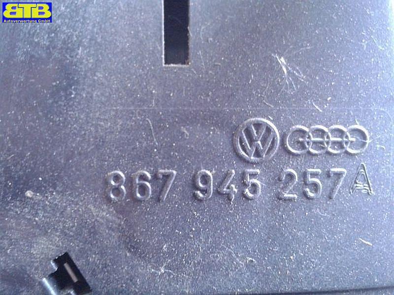 Rückleuchte / Heckleuchte / Rücklicht rechts mit Lampenträger 867945257AVW POLO (86C) 1.0  KAT