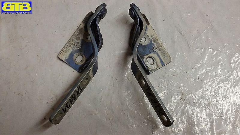 Motorhaubenscharnier 1H0823301 / 1H0823302 / rechts und links / GOLF III (1H1) 1.VW GOLF III (1H1) 1.8