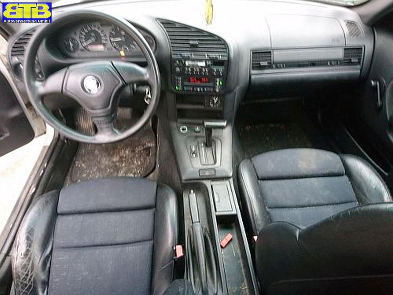 BMW 3 (E36) 318I
