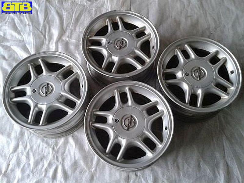 Aluminiumfelge 7JX15 H2 ET33 LK5X110X651Satz(je4Stück)